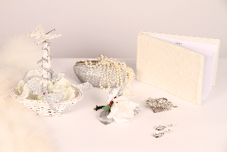 bridal bouquet-wedding-planner-accessories-silver