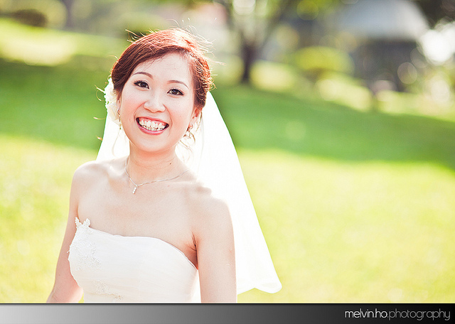 Real Weddings Singapore: Real Wedding: Liguo And Huixin's Perfect Golden Light