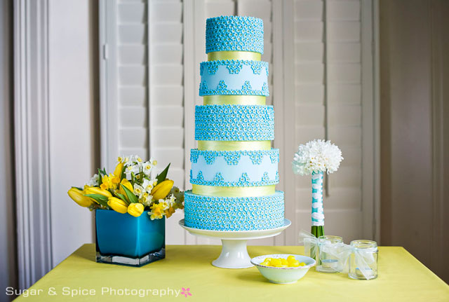 Sunwashed vintage colours and styling have retained their appeal with cakes
