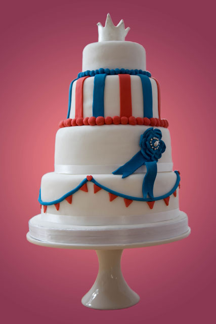 Britannia-Royal-Wedding-Cake-2