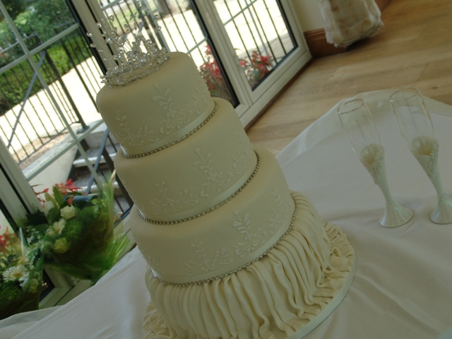 Vintage Ivory 4 tier Wedding Cake